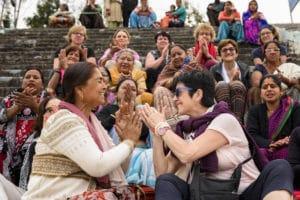 Cérémonie de l'Aarti à Rishikesh, Inde - Voyages en petits groupes et sur mesure en Asie, Afrique, Amérique du Sud