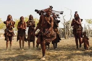 Voyage sur mesure - Himba - Namibie - Agence de voyage Les Routes du Monde