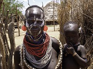 Voyage organisé en petit groupe - peuple Karo- Éthiopie du sud - Agence de voyage Les Routes du Monde