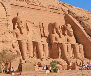 Voyage organisé en petit groupe - Abu Simbel Ramses II - Egypte - Agence de voyage Les Routes du Monde