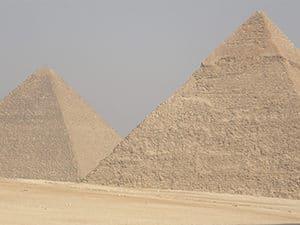 Voyage organisé en petit groupe - pyramides de Giseh - Egypte - Agence de voyage Les Routes du Monde