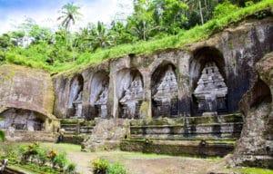 Voyage organisé en petit groupe - Gunung Kawi - Bali - Indonésie - Agence de voyage Les Routes du Monde