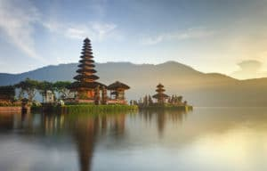 Voyage organisé en petit groupe - Danau Bratan - Bali - Indonésie - Agence de voyage Les Routes du Monde