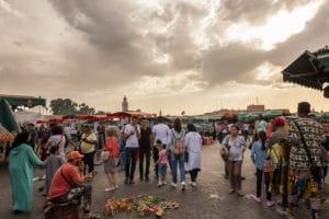 Place Jemma el Fna à Marrakech au Maroc - Les Routes du Monde