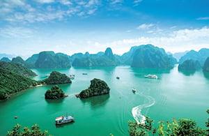 Voyage organisé en petit groupe - Baie de Halong - Vietnam - Agence de voyage Les Routes du Monde