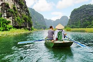 Voyage organisé en petit groupe - Ninh Binh - Vietnam - Agence de voyage Les Routes du Monde