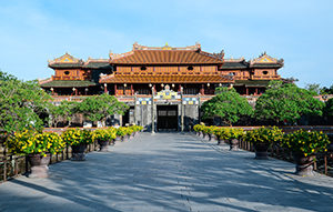 Voyage organisé en petit groupe - citadelle Hue - Vietnam - Agence de voyage Les Routes du Monde
