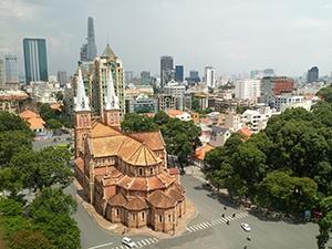 Voyage organisé en petit groupe - Cathédrale de Saigon - Vietnam - Agence de voyage Les Routes du Monde