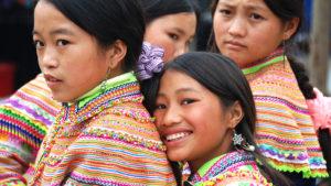 Voyage organisé en petit groupe - H'mong fleur - Vietnam - Agence de voyage Les Routes du Monde