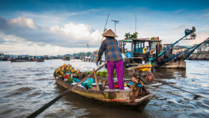 Voyage organisé en petit groupe - marché flottant Cantho - Vietnam - Agence de voyage Les Routes du Monde
