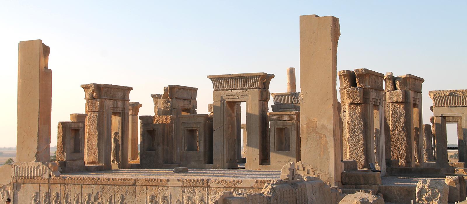 Voyage organisé en petit groupe - Persepolis - Iran - Agence de voyage Les Routes du Monde