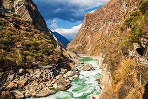 Voyage organisé en petit groupe - Gorges du saut du Tigre - Chine - Agence de voyage Les Routes du Monde