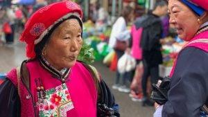 Voyage organisé en petit groupe - Vieille Dame - Chine - Agence de voyage Les Routes du Monde