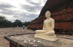 Voyage organisé en petit groupe - Anuradhapura - Sri Lanka - Agence de voyage Les Routes du Monde