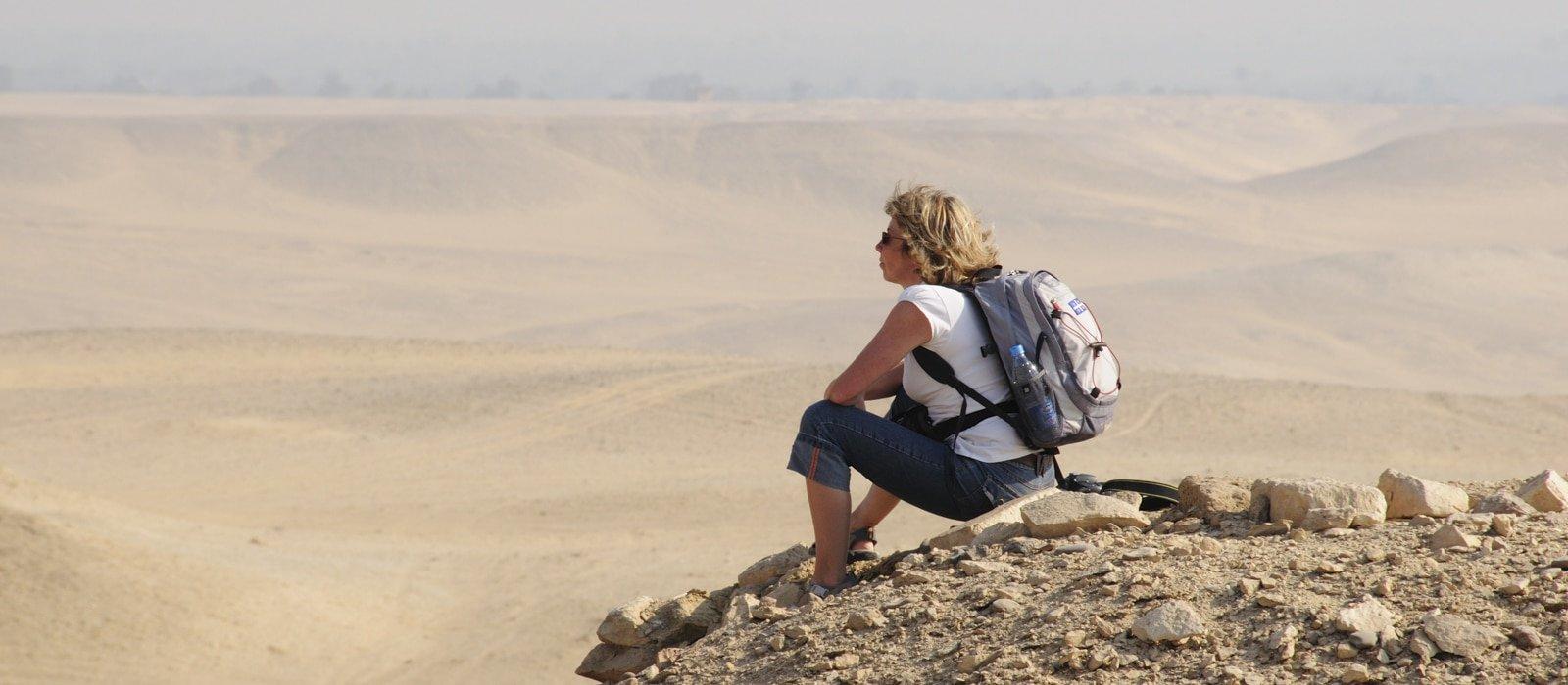 Voyage organisé en petit groupe - promenade à Dashour - Egypte - Agence de voyage Les Routes du Monde