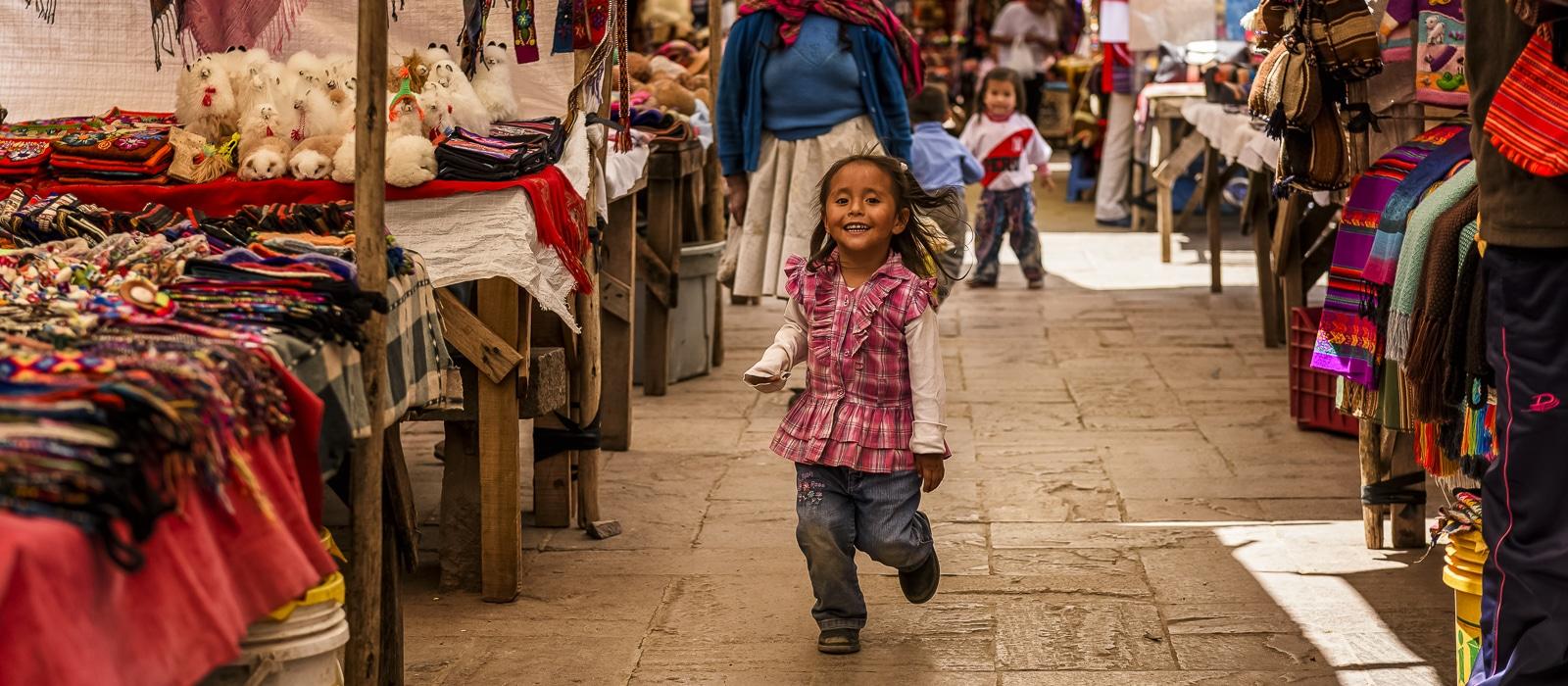 Marché traditionel de Pisac, Pérou - Voyage organisé en petit groupe offert par l'agence de voyage Les routes du Monde