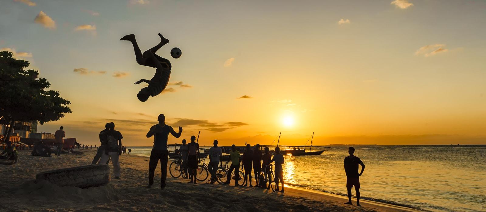 Voyage organisé en petit groupe - plage Bwejju Zanzibar - Tanzanie - Agence de voyage Les Routes du Monde