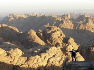 Voyage organisé en petit groupe - Sommet Mont Moise - Egypte - Agence de voyage Les Routes du Monde