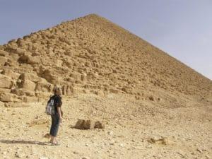 Voyage organisé en petit groupe - la pyramide rouge - Egypte - Agence de voyage Les Routes du Monde