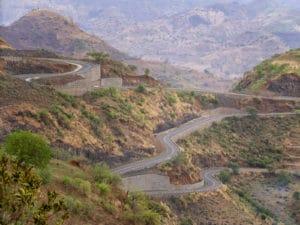 Voyage organisé en petit groupe - routes sinueuses - Éthiopie du nord - Agence de voyage Les Routes du Monde