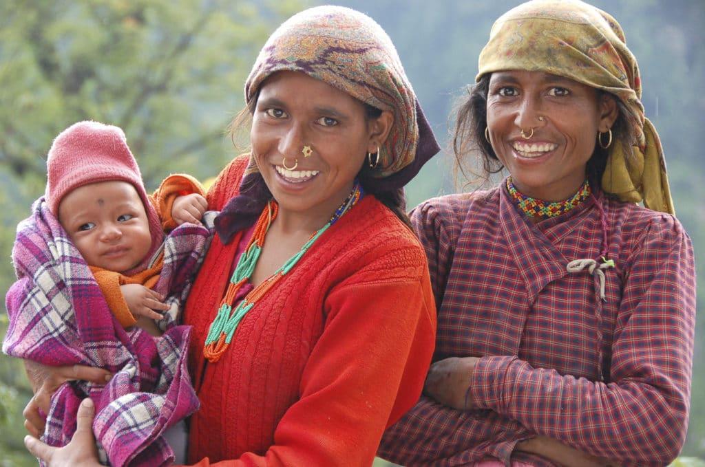Voyage organisé sur mesure - femme Garhwal - Inde du nord - Agence de voyage Les Routes du Monde