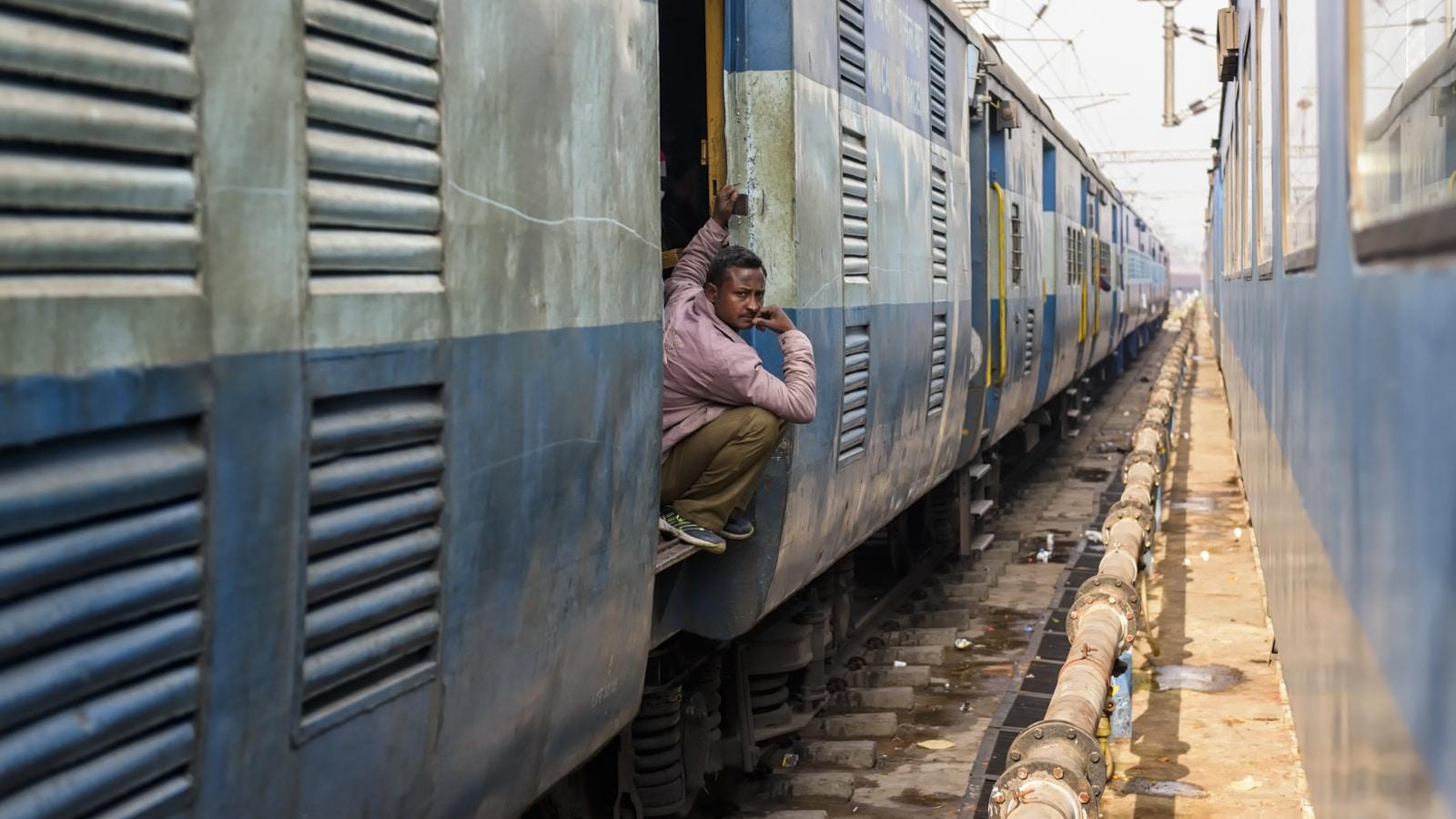 Voyage organisé en petit groupe - Train Rishikesh - Inde - Agence de voyage Les Routes du Monde