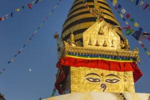 Voyage organisé en petit groupe - yeux de bouddha - Népal - Agence de voyage Les Routes du Monde