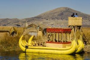 Voyage organisé en petit groupe - Uros - Lac Titicaca - Pérou - Agence de voyage Les Routes du Monde