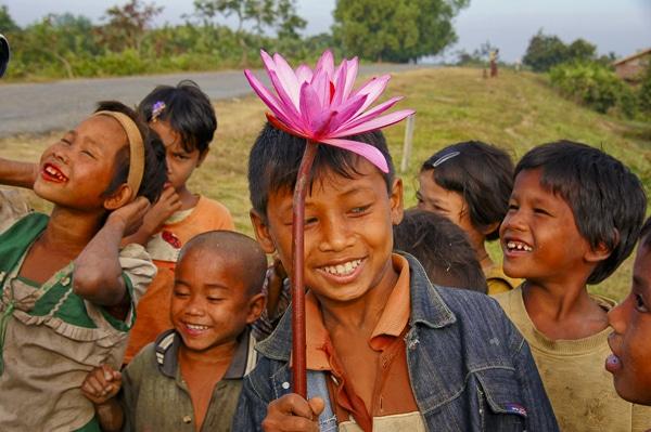 Voyage organisé en petit groupe - Myanmar - Agence de voyage Les Routes du Monde